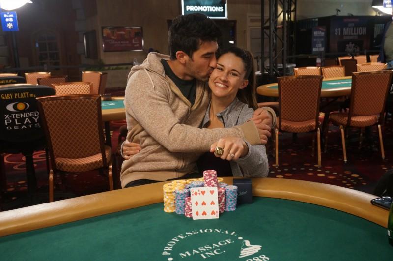 蜗牛扑克:扑克情侣Ashley Sleeth & Jesse Sylvia在拉斯维加斯双双斩获冠军!