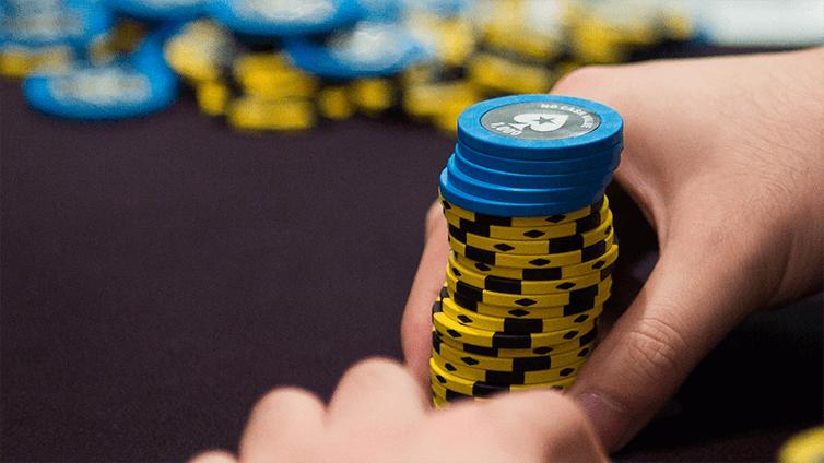 蜗牛扑克:扑克策略:竞争不起眼的多人底池