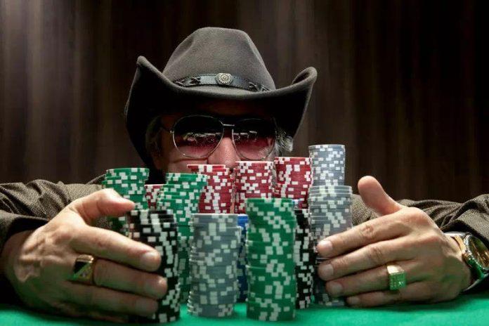 """【蜗牛扑克】德州扑克游戏中""""观察对手""""的基本攻略"""